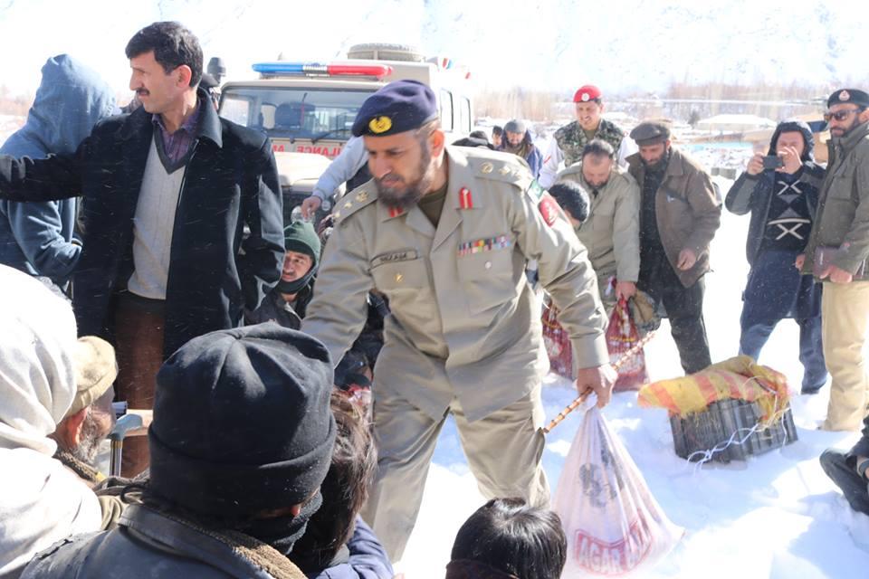 Photo of پاک آرمی اور چترال سکاؤٹس کی مشترکہ ریلیف اپریشن جمعرات کے روز بھی جاری رہی۔