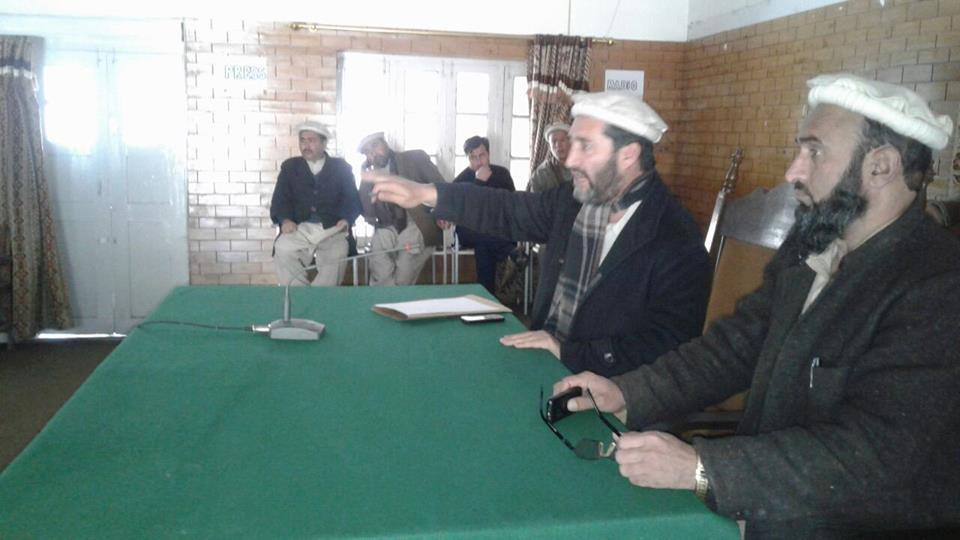 Photo of چترال بجلی کی سپلائی کی بحالی کے لئے ضلع ناظم چترال مغفرت شاہ کے زیر صدارت اجلاس۔