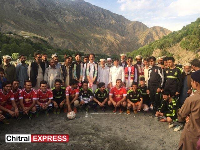 Photo of پاکستان پیپلز پارٹی چترال کے رہنماؤں کا دورہ شیشی کوہ،مختلف پارٹیوں سے درجنوں افراد پی پی پی میں شامل
