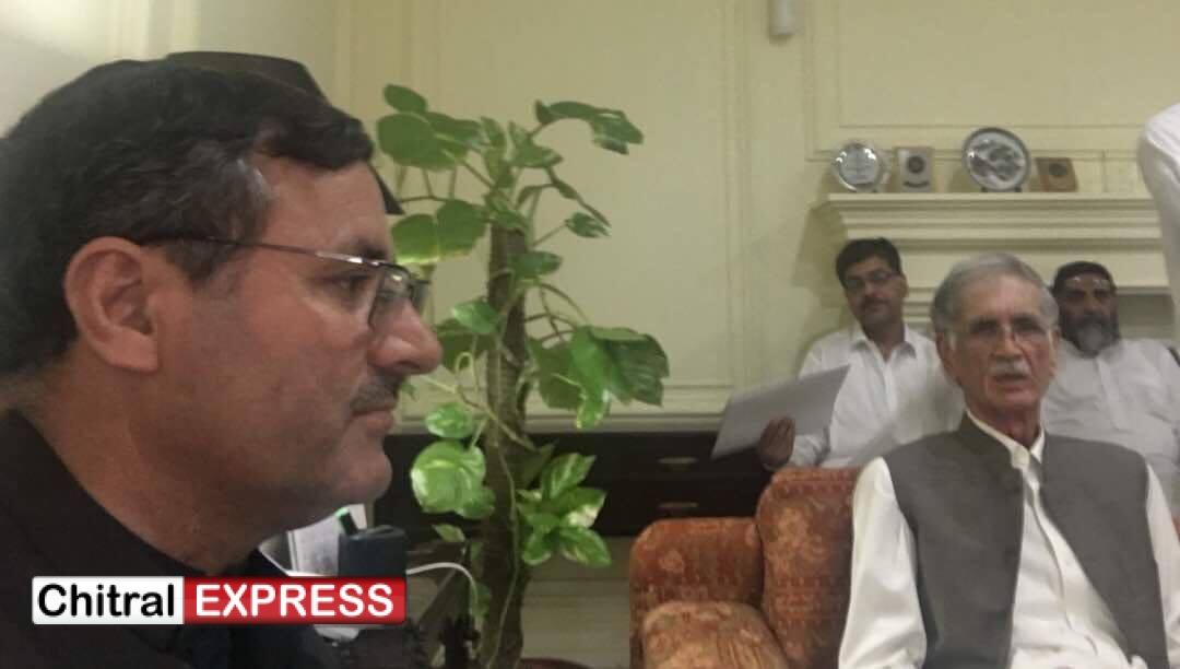 Photo of ایم پی اے سلیم خان کاوزیر اعلیٰ پرویز خٹک سے ملاقات ،شاہی مسجد کے واقعے کے بعد کی صورت حال کے بارے میں تفصیلی تبادلہ خیال