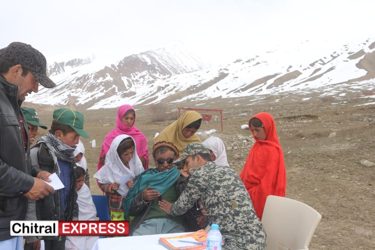 Photo of چترال ٹاسک فورس کے زیر اہتمام وادی بروغل میں فری میڈیکل کیمپ کا انعقاد